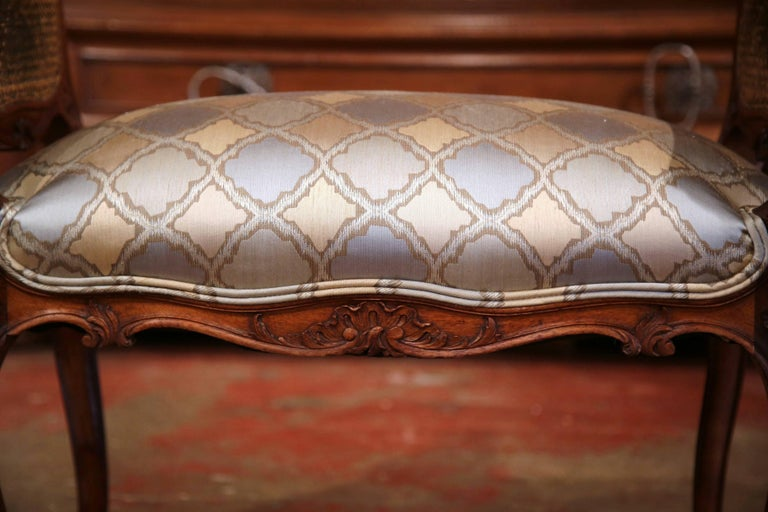 19th Century French Louis XV Carved Walnut and Cane Piano Bench with Silk Fabric For Sale 3