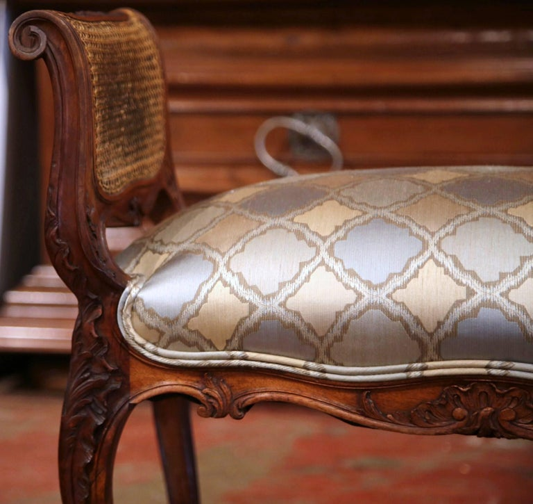 19th Century French Louis XV Carved Walnut and Cane Piano Bench with Silk Fabric For Sale 4