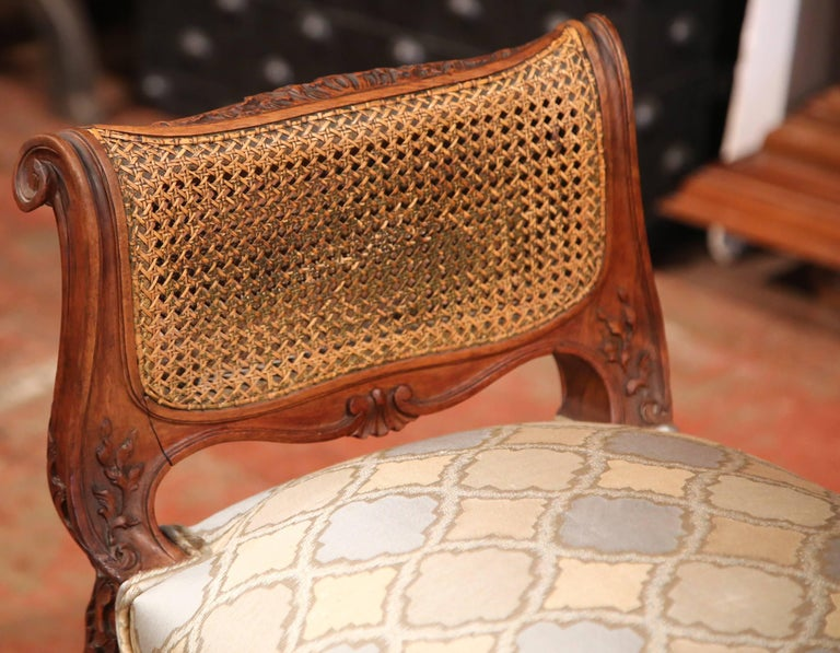 19th Century French Louis XV Carved Walnut and Cane Piano Bench with Silk Fabric For Sale 5
