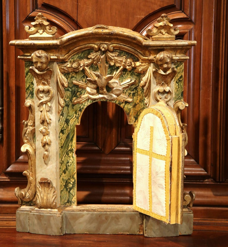 18th Century Italian Carved Giltwood and Polychrome Tabernacle Facade with Door In Excellent Condition For Sale In Dallas, TX