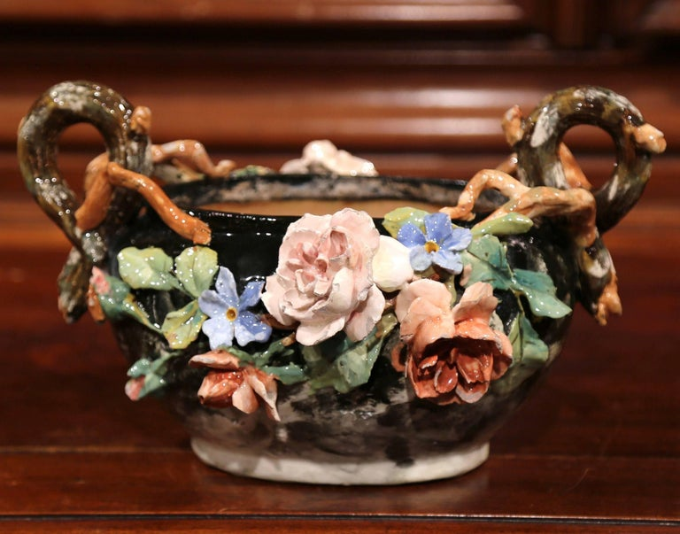 19th Century French Painted Ceramic Barbotine Jardinière from Montigny-sur-Loing For Sale 2