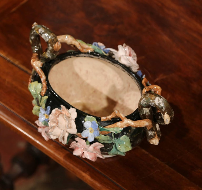 19th Century French Painted Ceramic Barbotine Jardinière from Montigny-sur-Loing For Sale 1