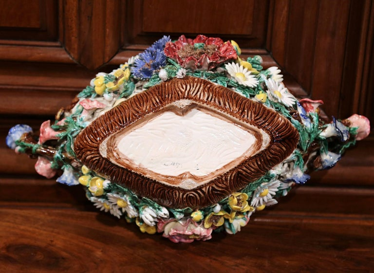 19th Century French Painted Porcelain Barbotine Jardinière with Floral Motifs For Sale 4