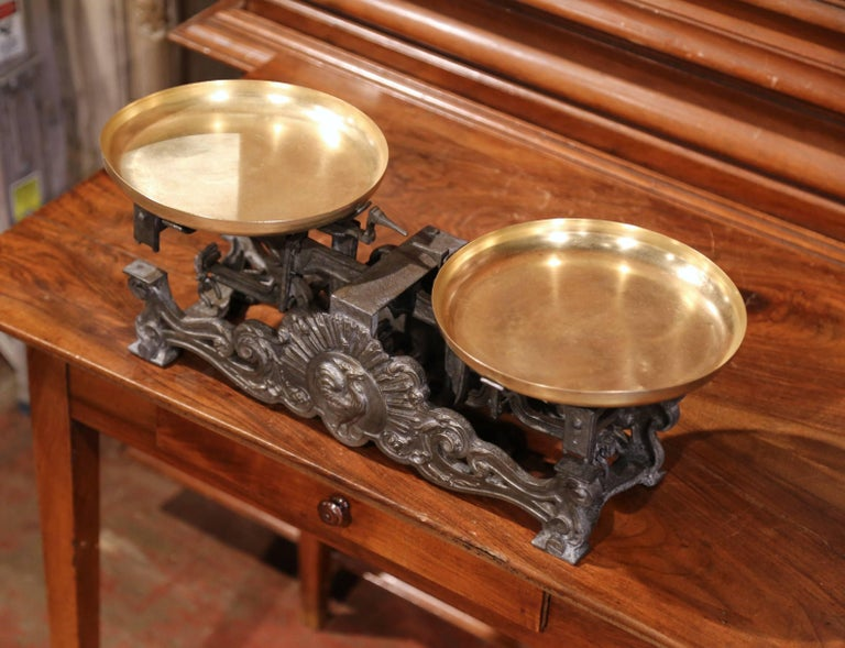 19th Century French Polished Iron and Brass Scale with Rooster Decor In Excellent Condition For Sale In Dallas, TX
