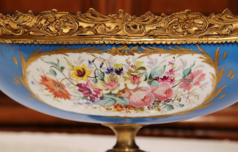 19th Century French Painted Porcelain and Bronze Oval Jardinière Sevres Style In Excellent Condition For Sale In Dallas, TX