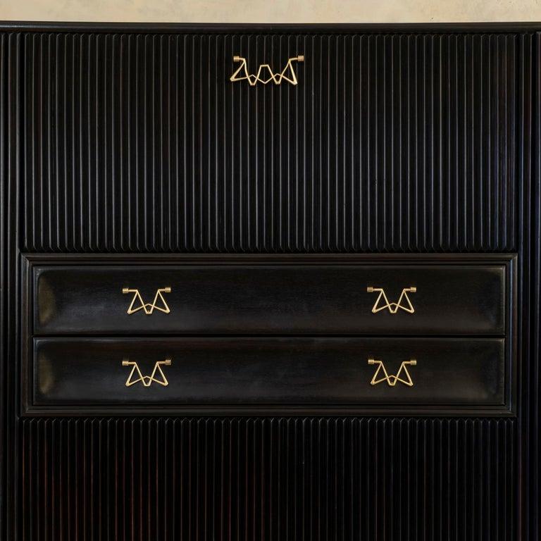 Osvaldo Borsani Dark Mahogany Tall Cabinet/Dry Bar, Brass Details, Italy, 1950s For Sale 6