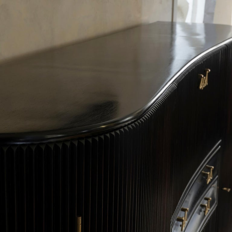 Osvaldo Borsani Dark Mahogany Tall Cabinet/Dry Bar, Brass Details, Italy, 1950s For Sale 8