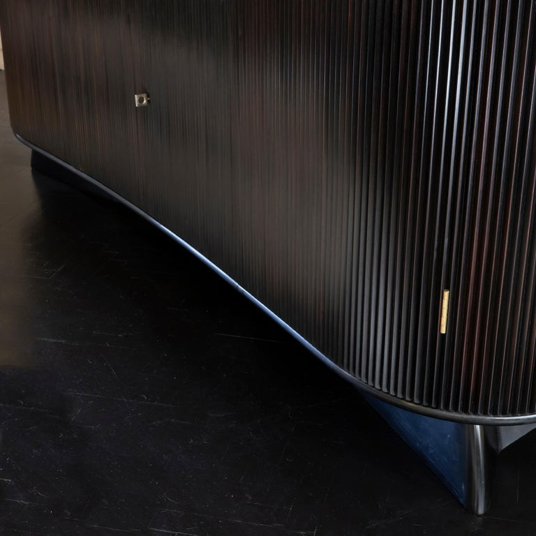 Osvaldo Borsani Dark Mahogany Tall Cabinet/Dry Bar, Brass Details, Italy, 1950s For Sale 11