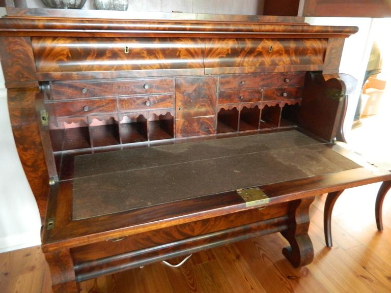 American Empire Style Crotch Mahogany Secretary and Bookcase, Late 18th Century In Excellent Condition For Sale In Savannah, GA