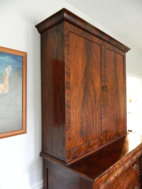 American Empire Style Crotch Mahogany Secretary and Bookcase, Late 18th Century For Sale 1