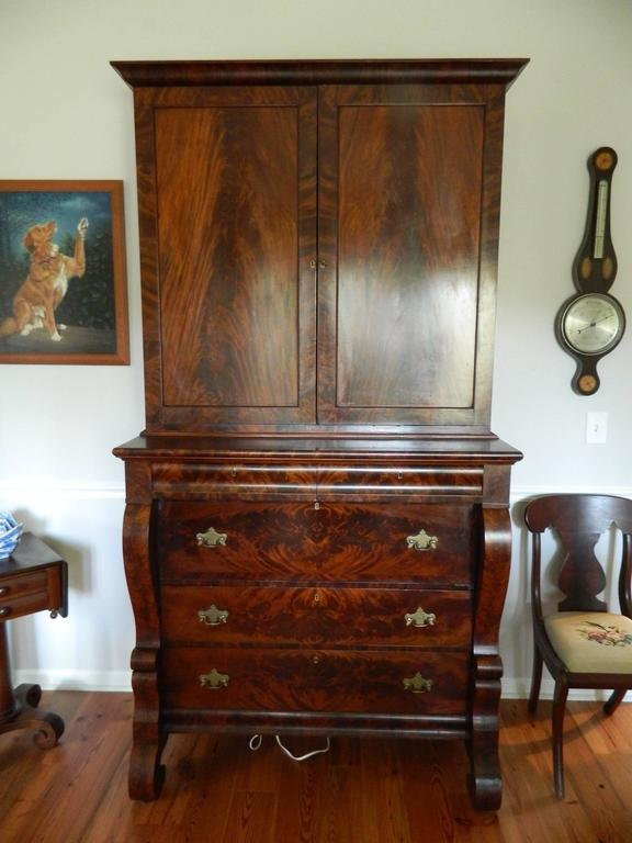 American Empire Style Crotch Mahogany Secretary and Bookcase, Late 18th Century For Sale 3