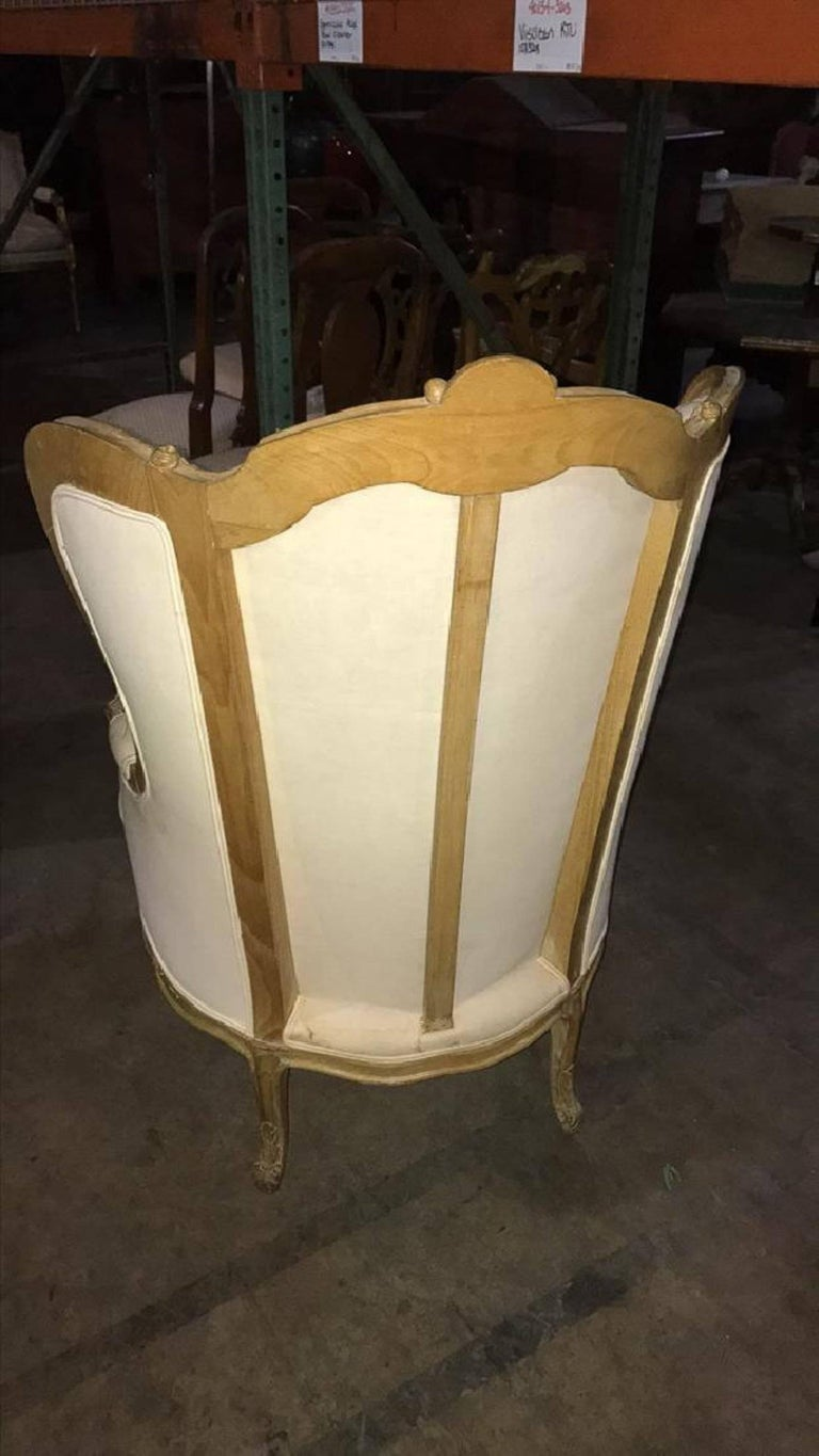 French Louis XVI Style Carved Bleached Walnut Bergere with Ottoman, 19th Century In Excellent Condition For Sale In Savannah, GA