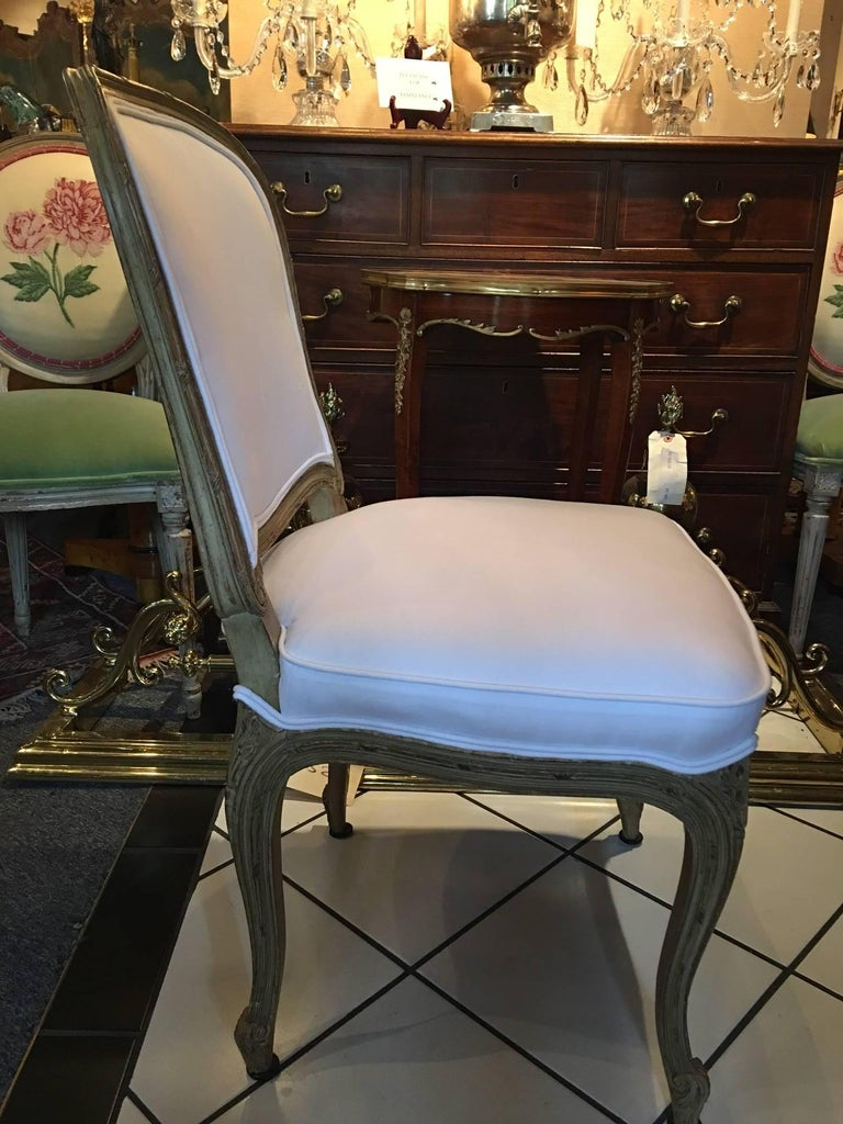 French Set of Four Painted Louis XVI Style Dining Chairs, Mid-20th Century For Sale