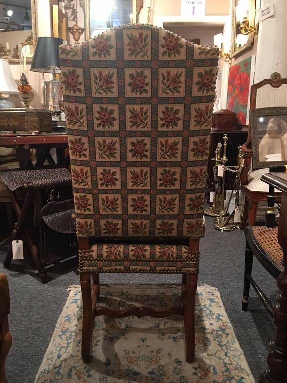 Set of Eight Italian Walnut and Upholstered Dining Chairs, 20th Century For Sale 2