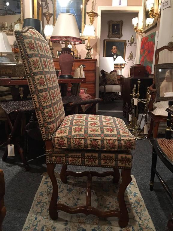 Set of Eight Italian Walnut and Upholstered Dining Chairs, 20th Century For Sale 6