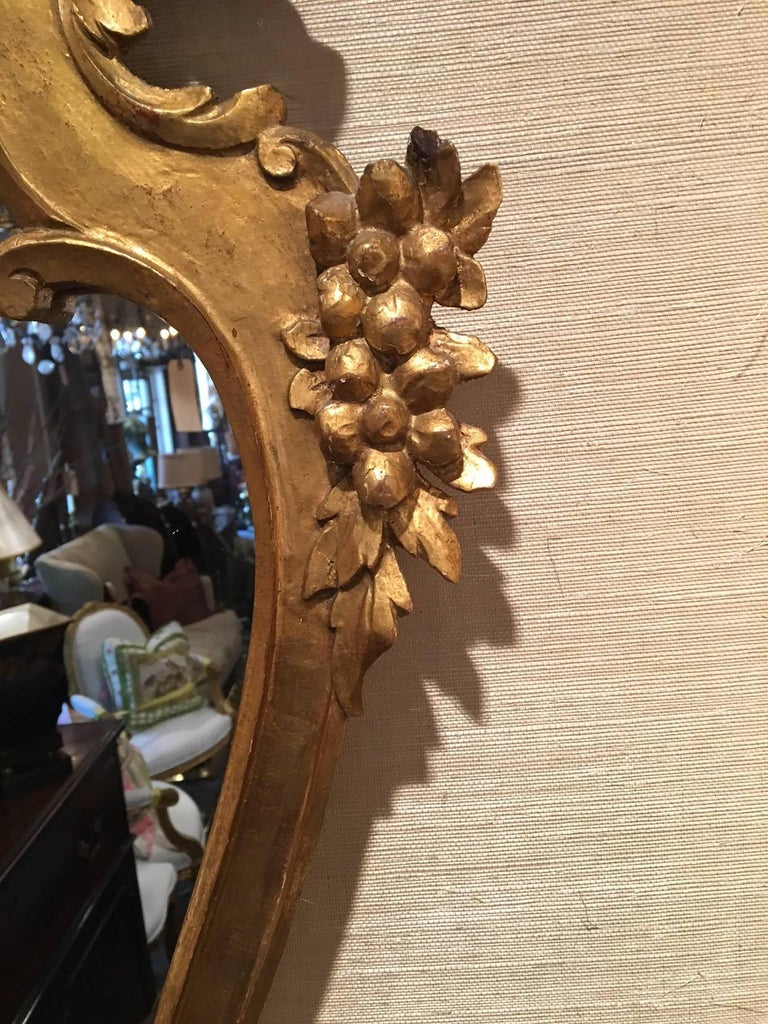 Pair of Italian Rococo Style Carved Giltwood Mirrors, Early 20th Century For Sale 1
