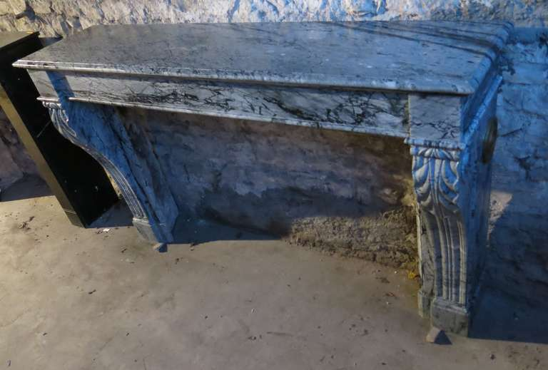 Hand-Crafted French Antique Marble Fireplace 19th Century from Paris, France For Sale