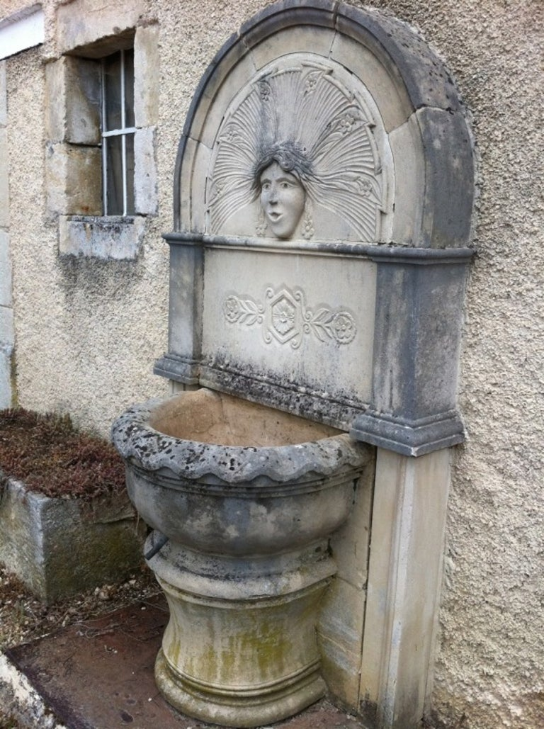 Louis XV Wall Fountain in Limestone Dite 'Dainvilloise' Handcrafted, France For Sale