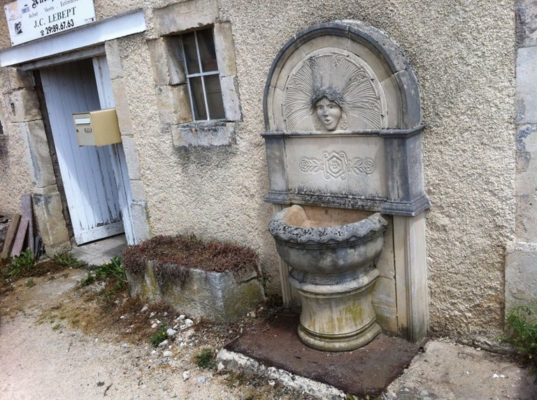 20th Century Wall Fountain in Limestone Dite 'Dainvilloise' Handcrafted, France For Sale