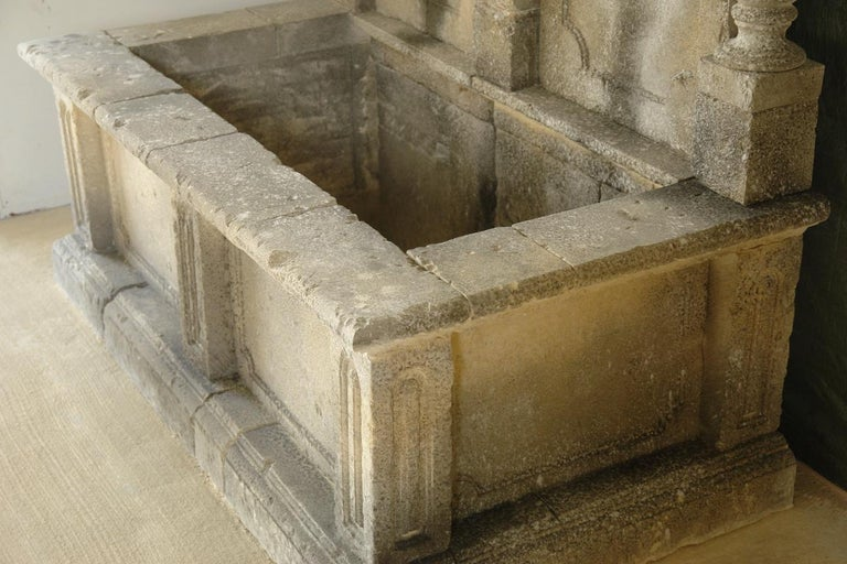 Italian Wall Fountain 3 Columns Handcrafted Limestone, Late 20th Century, Italy In Good Condition For Sale In LOS ANGELES, CA