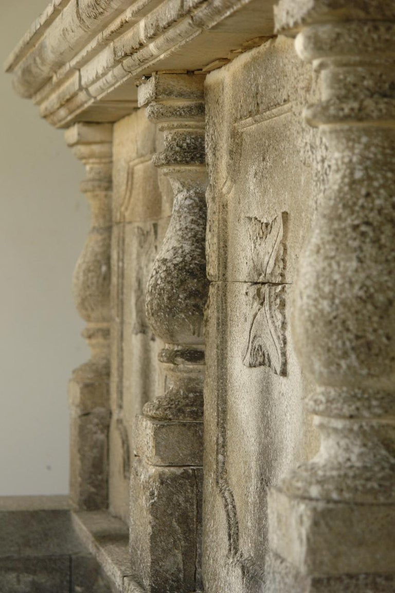 Italian Wall Fountain 3 Columns Handcrafted Limestone, Late 20th Century, Italy For Sale 2