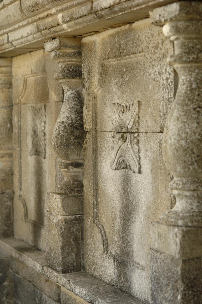 Italian Wall Fountain 3 Columns Handcrafted Limestone, Late 20th Century, Italy For Sale 7