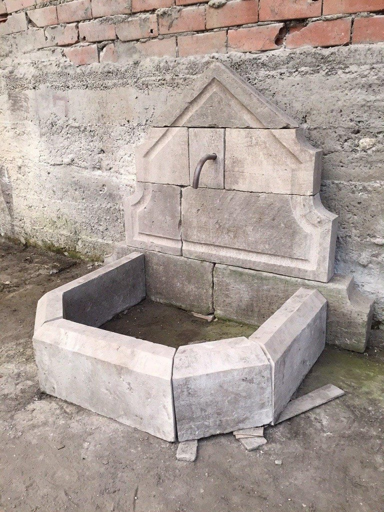 Hand-Crafted French Limestone Wall Fountain Handcrafted 20th Century, France For Sale