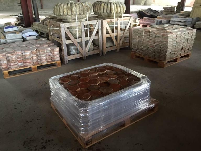 Original French Antique Hexagonal Terra Cotta Flooring, 17th-18th Century In Good Condition For Sale In LOS ANGELES, CA