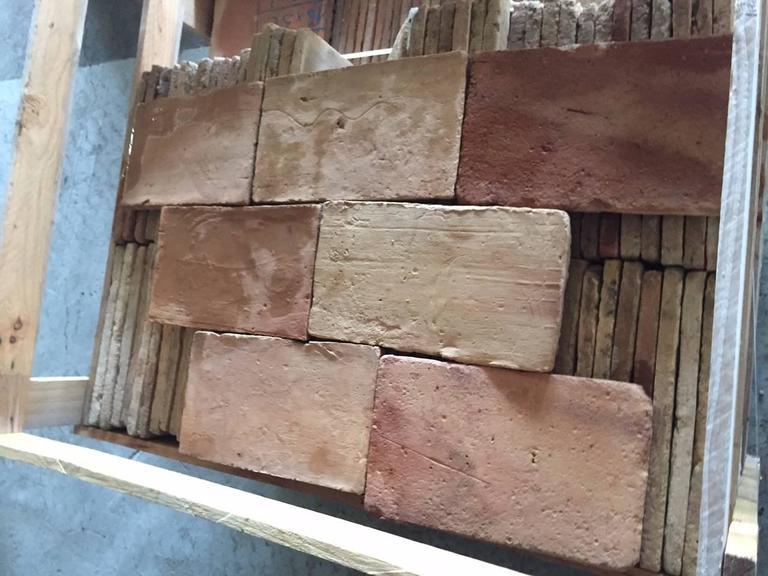 Original French Antique Parefeuilles Rectangular Terra Cotta Flooring In Good Condition For Sale In LOS ANGELES, CA
