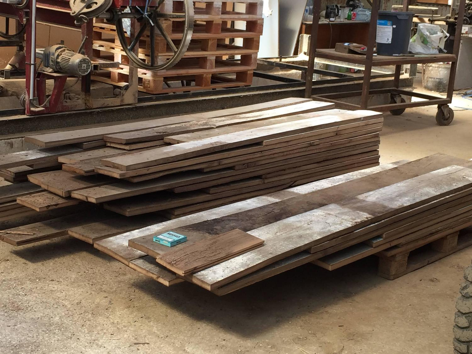 French reclaimed wood oak floors 17th 19th century france for Salvaged building materials los angeles