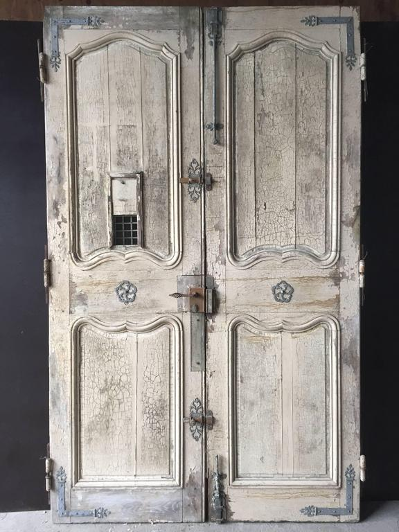A rare set of original and authentic French chateaux front entrance doors  (original pair) - Original Chateaux Front Doors, Solid Oak Hand-Crafted, 18th Century
