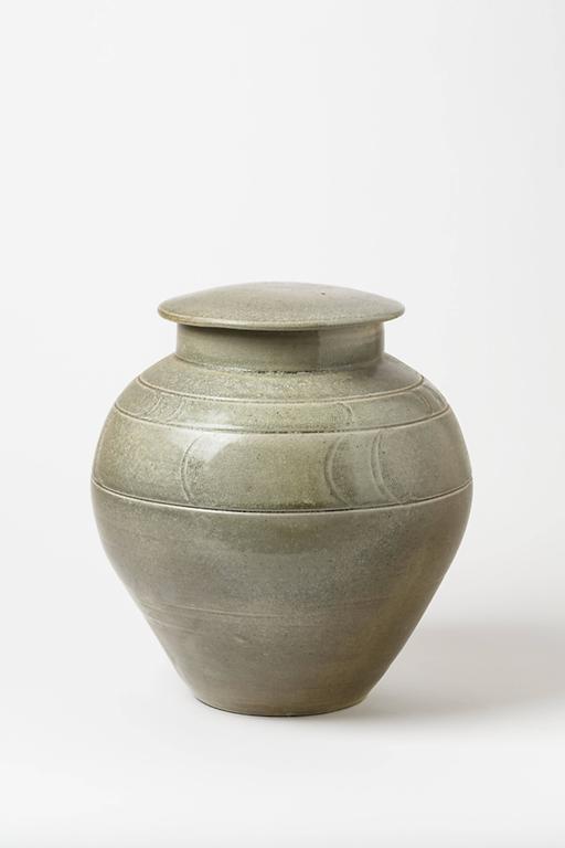Beaux Arts green ceramic Stoneware Pot by Antoine de Vinck, circa 1980 For Sale