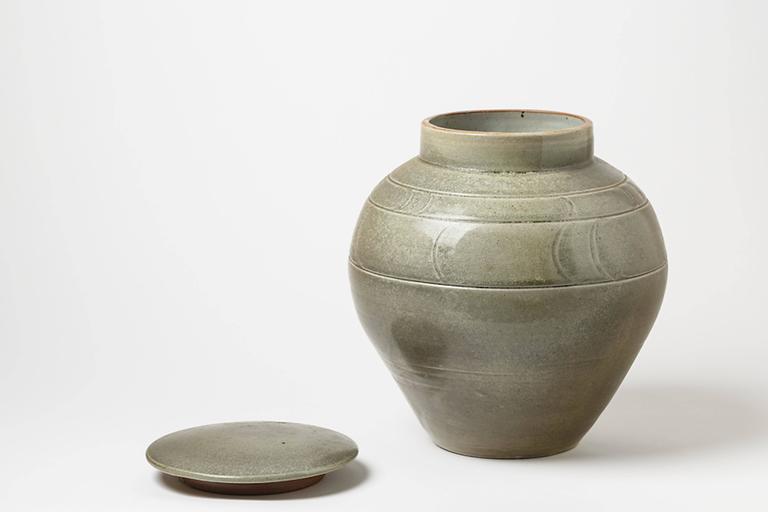 French green ceramic Stoneware Pot by Antoine de Vinck, circa 1980 For Sale