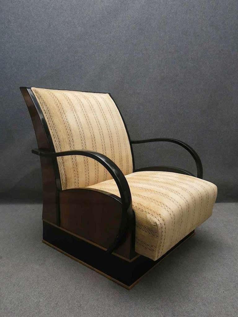 Mid-20th Century Pair of Art Deco Walnut Wood and Velvet Fabric Italian Armchairs, 1940 For Sale