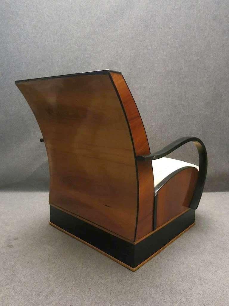 Pair of Art Deco Walnut Wood and Velvet Fabric Italian Armchairs, 1940 For Sale 4