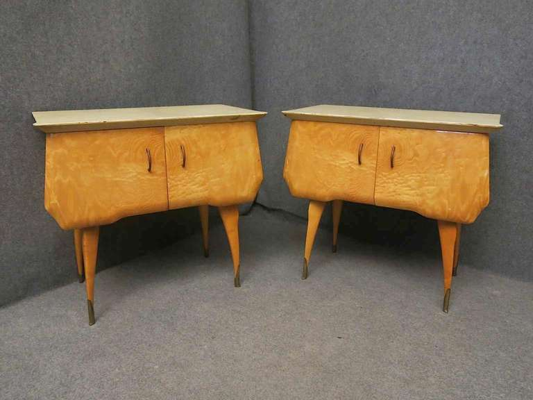 Mid-Century Modern Pair of Midcentury Maple and Parchment Italian Bedside Tables, 1950 For Sale