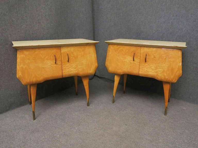 Pair of Midcentury Maple and Parchment Italian Bedside Tables, 1950 For Sale 1