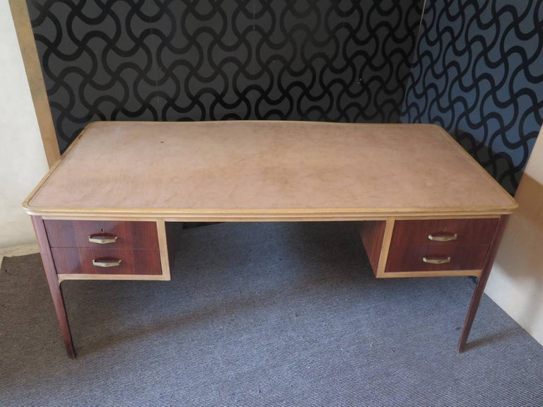 Midcentury Walnut Leather Writing Desk, 1950 In Excellent Condition For Sale In Rome, IT