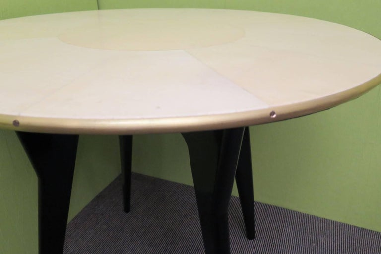 Art Deco Round Goatskin Card and Tea Table, 1940 In Excellent Condition For Sale In Rome, IT