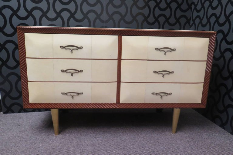 Mid-20th Century Art Deco Walnut Wood GoatSkin and Brass Italian Chest of Drawers, 1940 For Sale