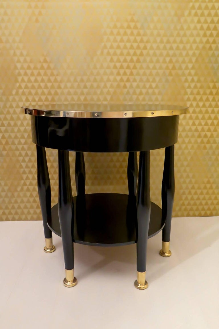 Early 20th Century Adolf Loos Round Black Shellac and Brass Austrian Art Nouveau Side Table, 1910 For Sale