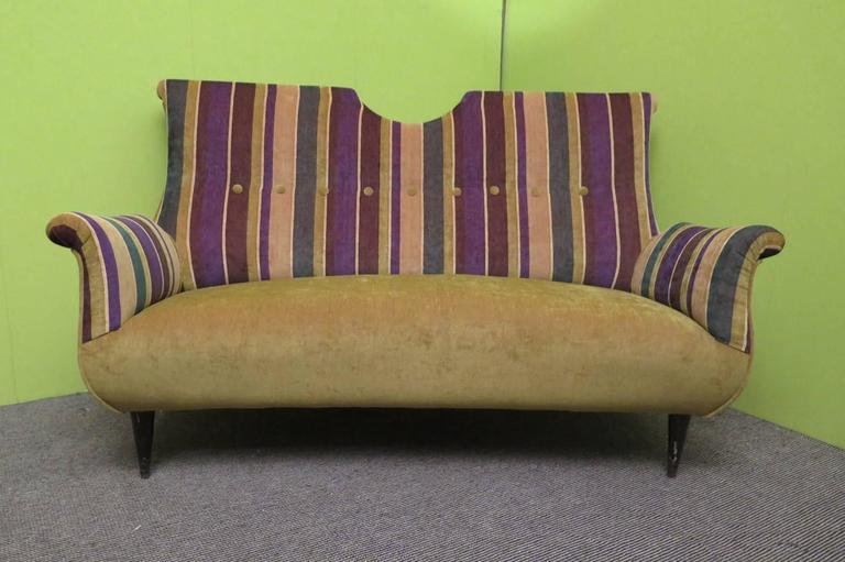 1950 Velvet Bicolored Italian Mid-Century Sofa In Excellent Condition For Sale In Rome, IT