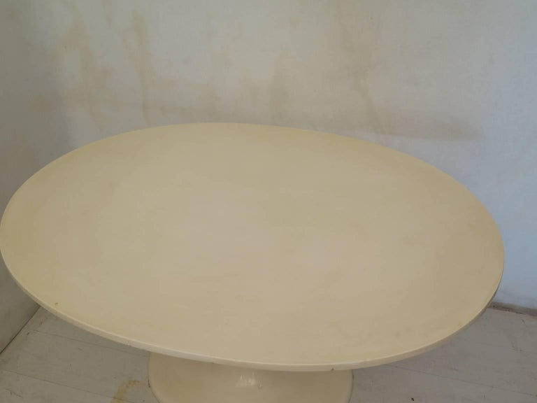 Tulip Oval Table, 1970 In Excellent Condition For Sale In Rome, IT