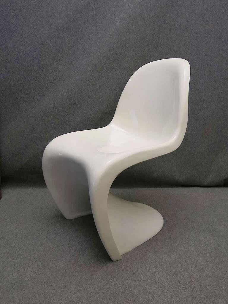 Modern Verner Panton 1960 Four White Chairs For Sale
