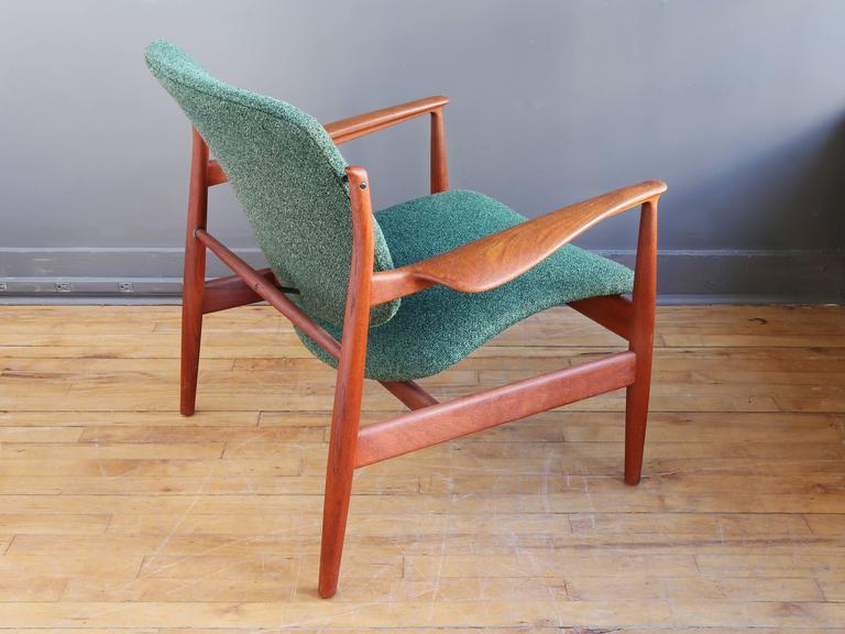 Mid-Century Modern Finn Juhl Model FD 136 Teak Lounge Chair For Sale
