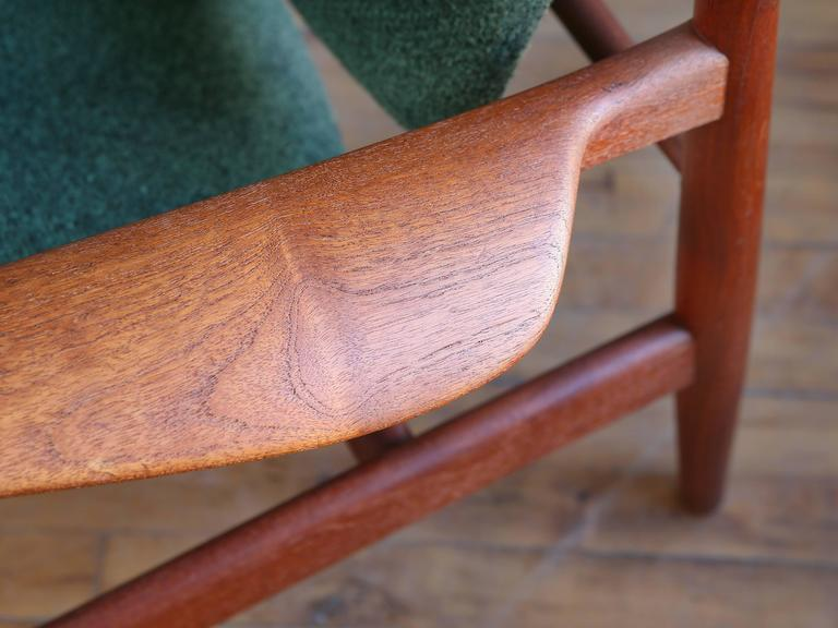 Finn Juhl Model FD 136 Teak Lounge Chair In Excellent Condition For Sale In Cambridge, MA