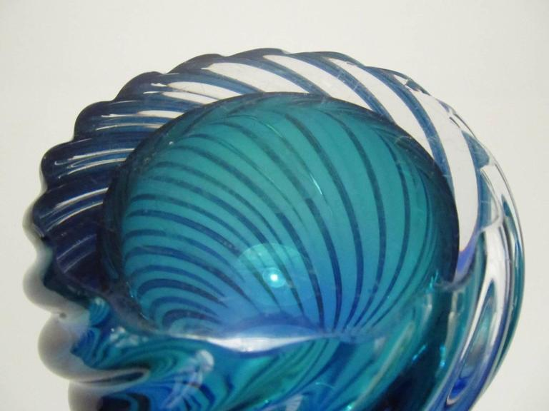 Murano Glass Twisted Sommerso Vase 3