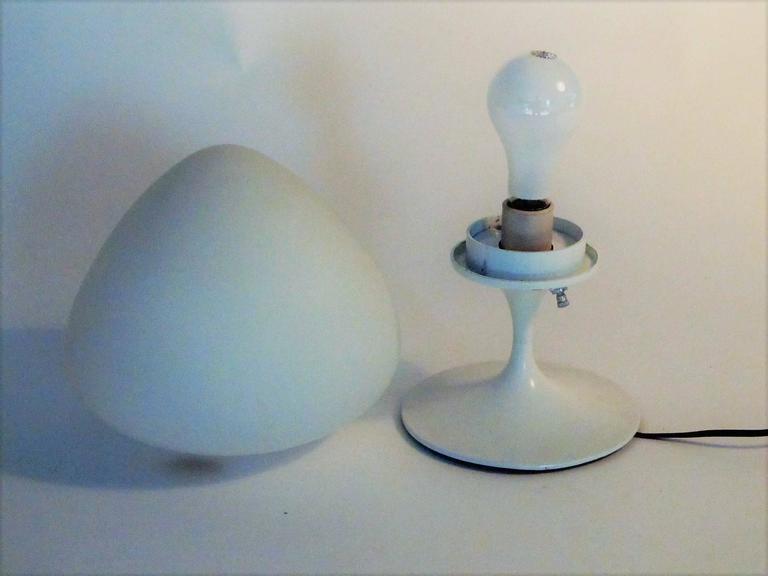 Mid-Century Modern Laurel Acorn Lamp 2