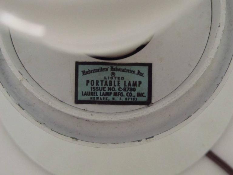 Mid-Century Modern Laurel Acorn Lamp 3