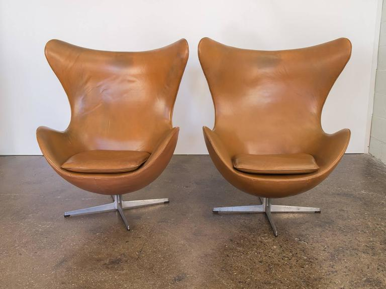 Egg Chair Cognac.Vintage Leather Egg Chairs By Arne Jacobsen At 1stdibs